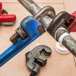 Rohrverstopfung – so gehen Sie bei einem verstopften Abfluss richtig vor!